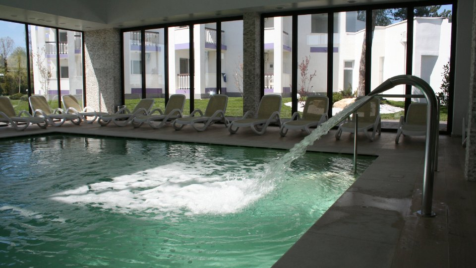 Cazare litoral vile - camera king - piscina interioara