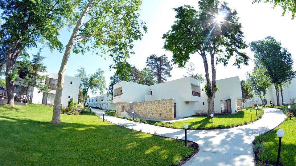 Cazare litoral vile - apartament dublu - vile cu spatii verzi