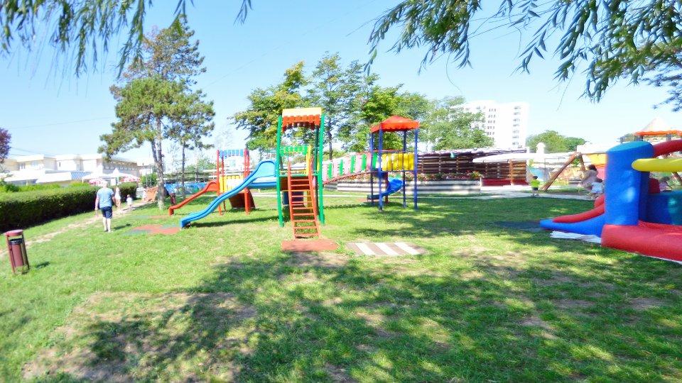 Cazare litoral vile - apartament dublu - parc pentru copii