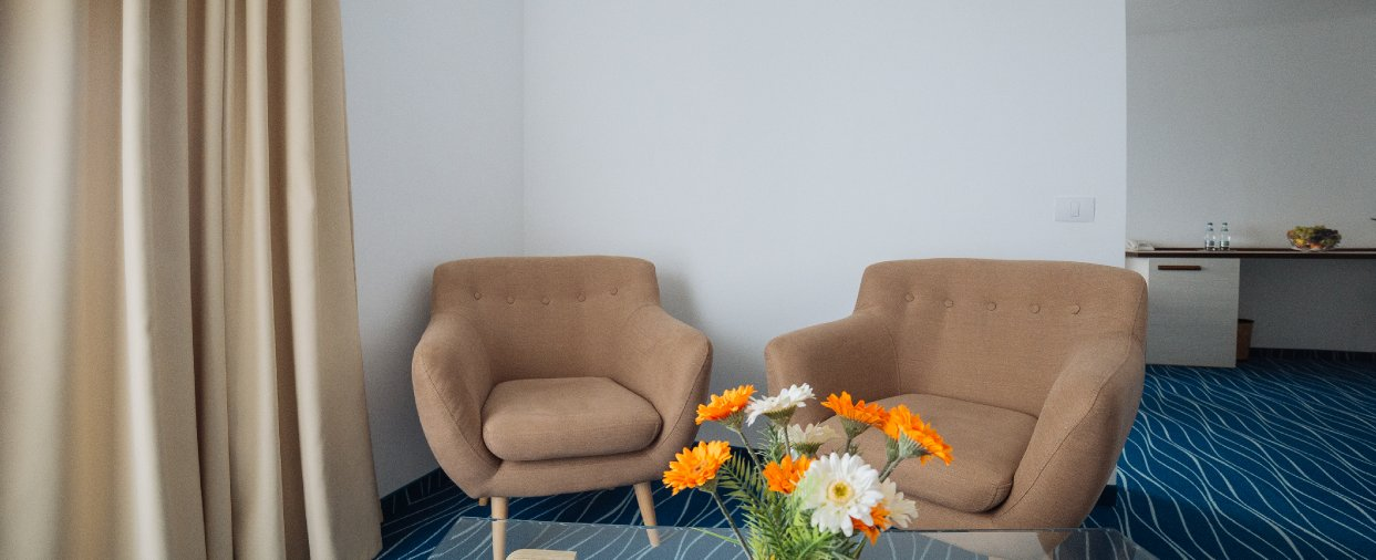 hotel 4* Cap Aurora - apartament junior - vedere sufragerie 3