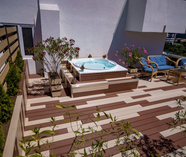 Cazare pe litoral la Cap Aurora - apartament junior cu jacuzzi - terasa privata cu jacuzzi