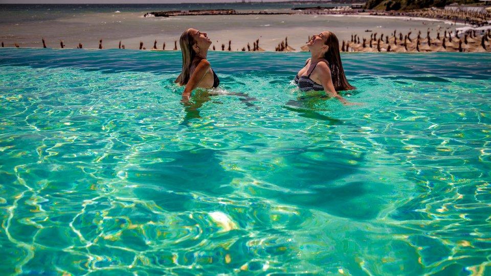 hotel Cap Aurora - apartament junior - piscina