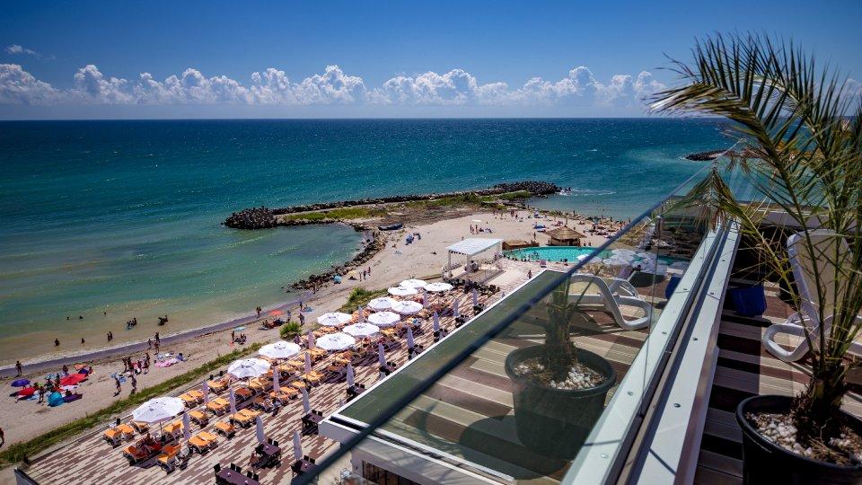 faleza si cazare Cap Aurora - apartament junior cu jacuzzi - vedere asupra plajii