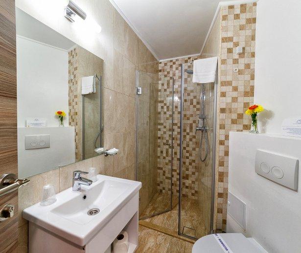 Cazare litoral vile - apartament dublu - baie in apartament