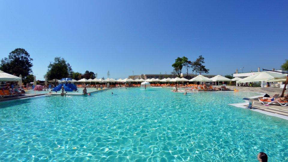 Cazare litoral vile - camere comunicante - acces la piscina