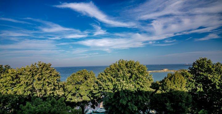 Cazare in Mangalia pe litoralul romanesc - vedere la mare