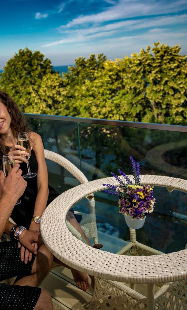 Cazare in Mangalia pe litoralul romanesc - apartament - balcon