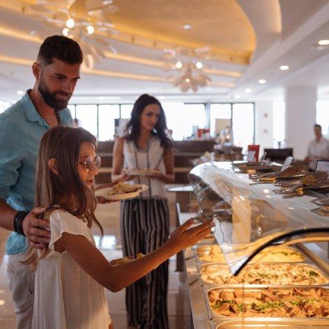Hotel cap aurora - Restaurant cu autoservire
