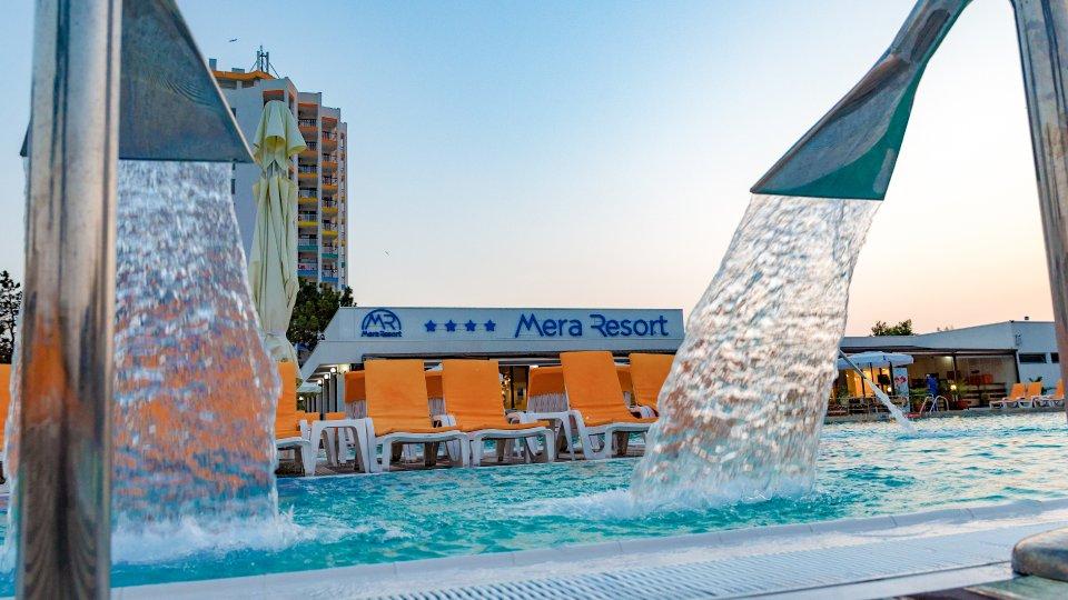 Vacanta la mare all inclusive - piscina cu dus