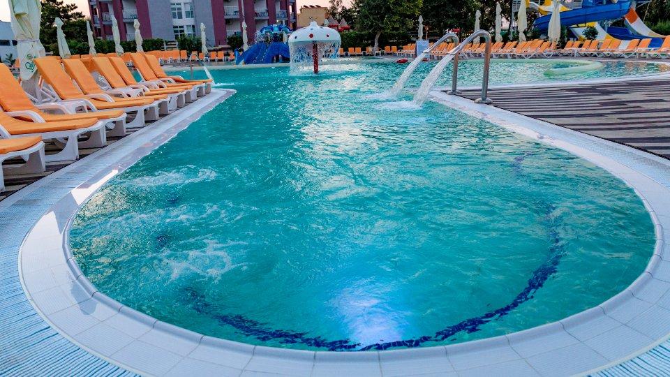 Vacanta la mare all inclusive - piscina