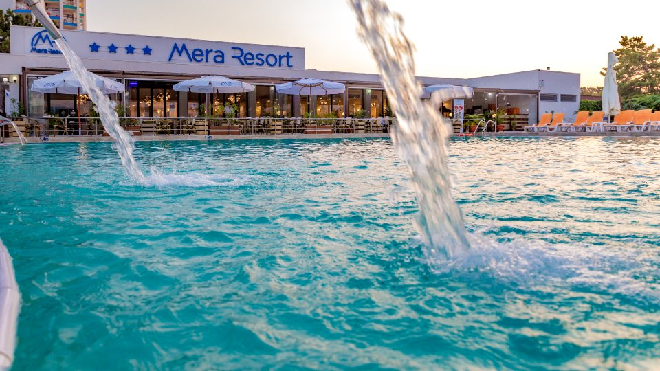 Vacanta la mare all inclusive - piscina cu terasa