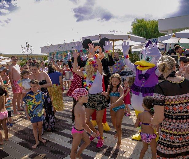 party plaja la all inclusive litoral