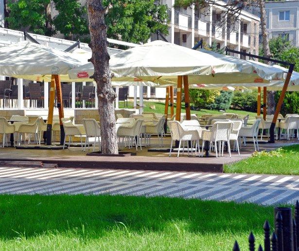 terasa restaurant mera in mangalia