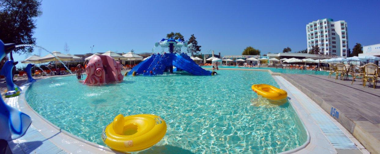 piscina copii mera resort cazare venus