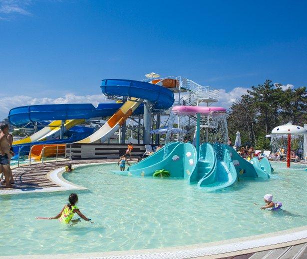 piscina pentru copii la mare