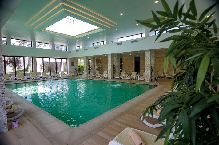 piscina interioaraMR