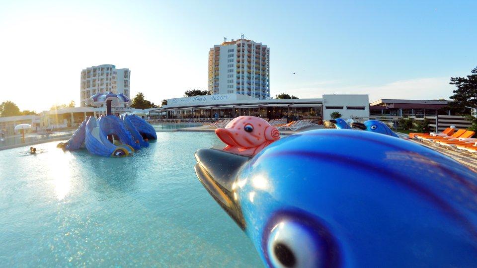 Vacanta all inclusive - Piscina - Clubul copiilor - Mera Resort