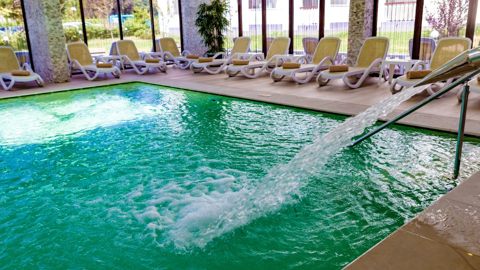Mera Resort spa - piscina interioara