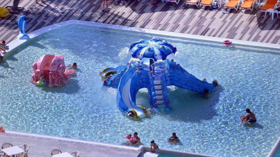 sejur all inclusive - piscina pentru copii - tobogan caracatita