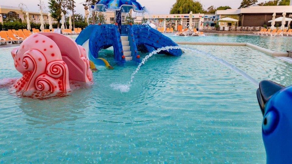 sejur all inclusive - piscina pentru copii - loc de joaca acvatic