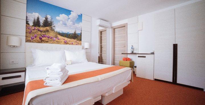 Cazare litoral vile - camere comunicante - vedere in dormitor